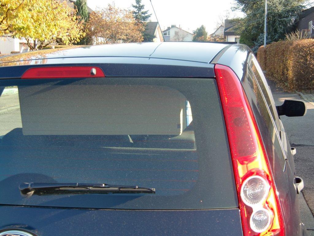 Ladung blockiert die Sicht durch den Innenspiegel.