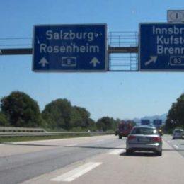Autobahn - abgehende Fahrbahn