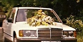 Hochzeitsauto Blumen